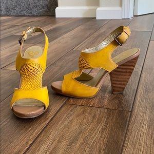 Seychelles Yellow Chunky Heel 7.5